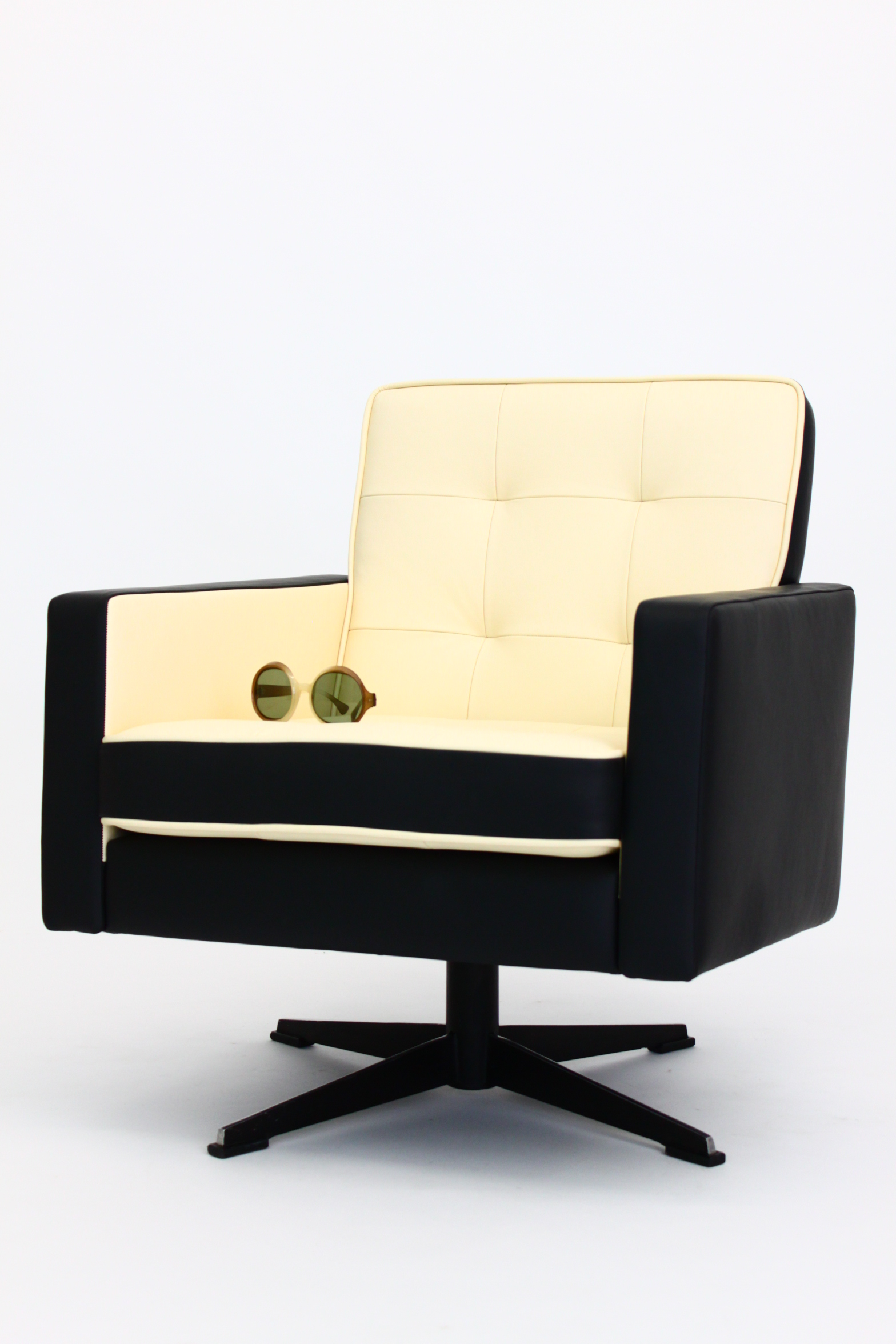 sixties leather swivel lounger