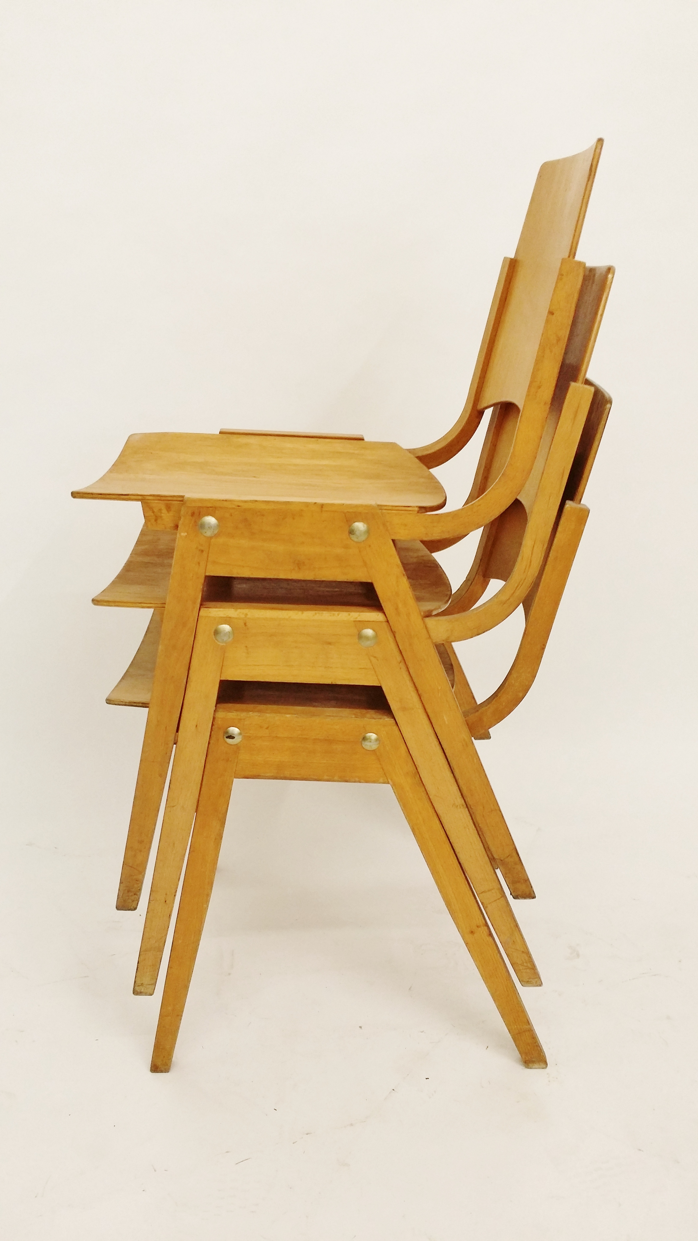 Roland Rainer P7 stacking chair