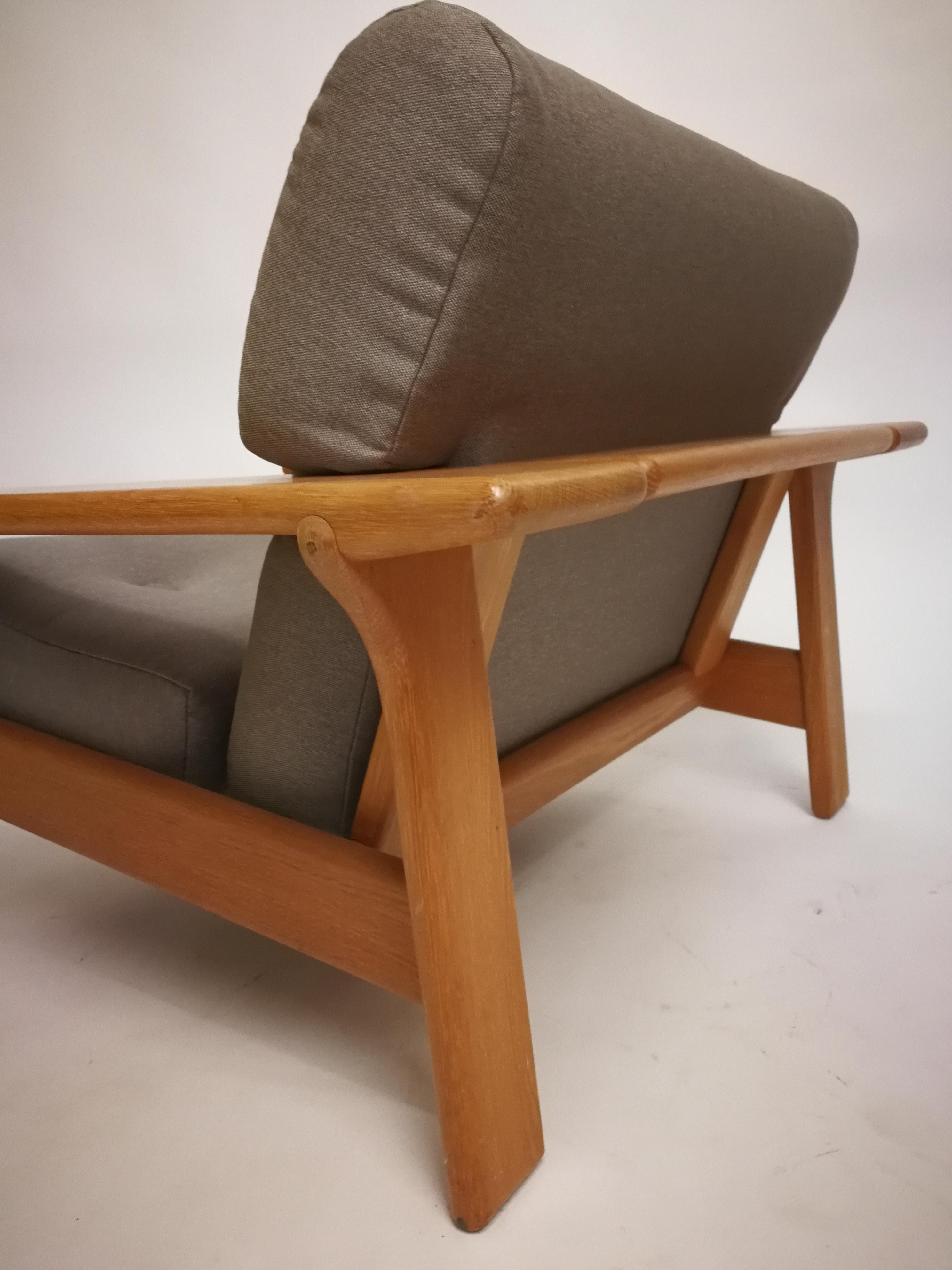 oak arm chair